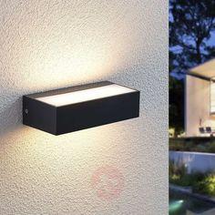 29€ | Nienke LED outdoor wall light, IP65, 17 cm | Lights.ie