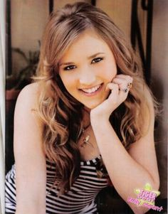 Emily Osment Makeup by Lusine Galadjian Tv Actors, Actors & Actresses, Emily Osment, Pin Up Posters, Disney Channel Stars, Hannah Montana, Woman Crush, My Idol, Beautiful People