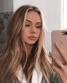 Brown Hair With Blonde Highlights, Blonde Hair Looks, Brown Hair Balayage, Ash Blonde, Girls With Blonde Hair, Bright Blonde, Blonde Wig, Blonde Ombre, Platinum Blonde