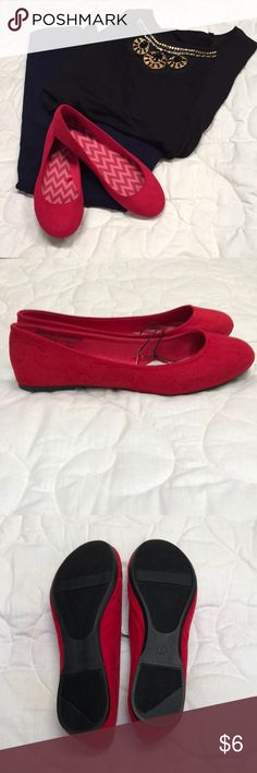 Red Flats NWT. Beautiful red flats. Can be paired with a black dress or some sparkles! Bought for a concert but they don't fit me. Women's size 7. Offers welcome! Shoes Flats & Loafers