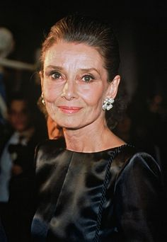 """The actress and UNICEF Goodwill Ambassador Audrey Hepburn photographed at the Palais Galliera in Paris (France), during the opening of an exhibition in tribute to the 40 years of Givenchy's career, called """"Givenchy: 40 Years of Creation"""", on October Audrey Hepburn Outfit, Audrey Hepburn Kunst, Audrey Hepburn Mode, Audrey Hepburn Photos, Divas, Palais Galliera, Beautiful Old Woman, Sophie Marceau, Romy Schneider"""