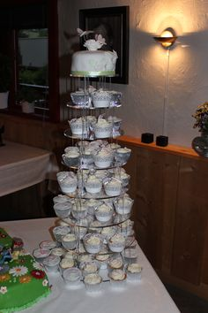 Wedding Cake/Cupcakes for 80 Guests  Victoria Sponge Cake as a top & Vanilla, Raspberry and Lemon flavoured Cupcakes spread over 8 levels