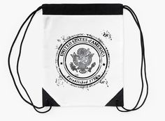 """United States of America"" Drawstring Bags by bubbliciousart 