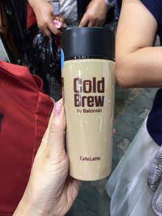 ソウル買倒れツアー(続)東大門卸市場めぐり。コスメ卸、ミニ扇風機、ヤクルト限定パックまで! | アラフォーから韓国マニアの果てなき野望! Cold Brew, Travel Mug, Brewing, Mugs, Tableware, Dinnerware, Tumblers, Tablewares, Mug