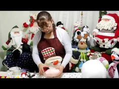 Papa Noel Chef parte 1 Xmas Crafts, Diy And Crafts, Christmas Fabric, Christmas Ornaments, Gnome Tutorial, Fabric Decor, Craft Tutorials, Snowman, Chiffon