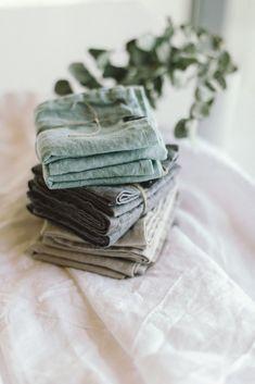 Fabric Photography, Textiles, Linen Napkins, Embroidery Art, Cozy House, Tea Towels, Branding Design, Design Inspiration, Biro