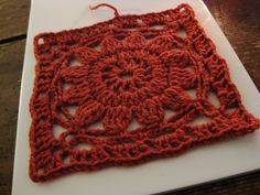 VMSomⒶ KOPPA: Crocheted flower square -  Google will translate okay. Used on brown cardigan sweater