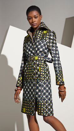 Vlisco V-Inspired ~Latest African Fashion African Inspired Fashion, African Print Fashion, Africa Fashion, Ethnic Fashion, Fashion Prints, African Prints, Fashion Design, Fashion Styles, African Style Clothing