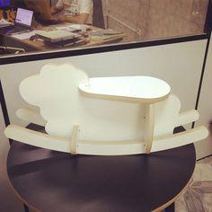 Ta quase! :))))))))))) #dGreenSP #3DPuzzleDesign #Collection #Angelina #Ovelha #banco #produçãosustentável #Bancosustentável  #Balanço #decorando #decoração #banqueta #design #designsustentável #balançar #brincar #sustainabledesign #sheep #móveis #móvelinfantil #design4all #bichinho #designparatodos #paracriançaseadultos #paracrianças #4kids #ovelhinha  www.dgreensp.org . info@dgreensp.org