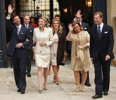 Stéphanie se convierte en princesa de Luxemburgo con un Chanel de corte clásico ¿Qué les pareció la elección para el enlace civil?
