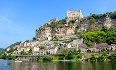 Beynac-et-Cazenac via Shutterstock Beynac Et Cazenac, La Dordogne, Beaux Villages, France 1, Vintage Travel, Places Ive Been, Places To Visit, To Go, River