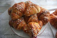 Croissants, Pretzel Bites, Sausage, French Toast, Bread, Breakfast, Food, Youtube, Brioche