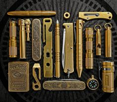 Brass EDC Everyday CarryYou can find Everyday carry and more on our website. Edc Tools, Survival Tools, Survival Items, Survival Stuff, Edc Carry, Carry On, Edc Tactical, Tactical Truck, Edc Gadgets