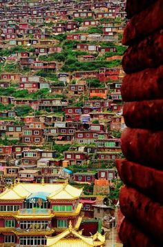 World's Largest Temple in Sechuan, China
