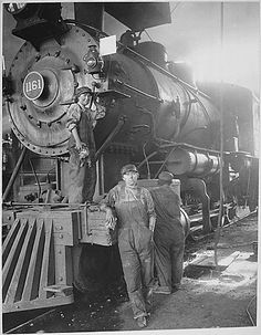 Women on Great Northern Railway at Great Falls, Montana. As more male workers joined the armed forces during World War I, women like these railroad employees, were encouraged to enter occupations t… Old Trains, Vintage Trains, Railway Posters, Big Sky Country, Great Falls, Steam Engine, Steam Locomotive, Train Tracks, Women In History