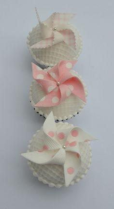 Pinwheel cupcakes from Hilary Rose Cupcakes, UK. She's a genius.