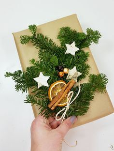 Pakowanie prezentów! Gift Wrapping, Christmas Ornaments, Holiday Decor, Gifts, Diy, Home Decor, Gift Wrapping Paper, Presents, Decoration Home