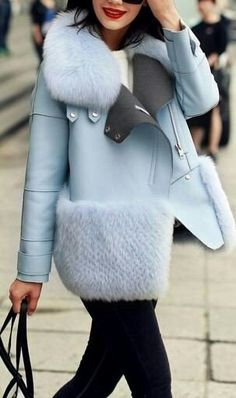 Long Stitching In Stitching Fur Coat Fur Fashion, Look Fashion, Fashion Outfits, Womens Fashion, Modest Fashion, Stylish Outfits, Trendy Fashion, Mode Chic, Mode Style