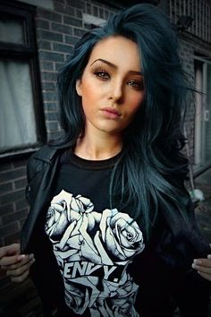 Here are 40 amazing ombre hair ideas for women who want blue hair Bold Hair Color, Hair Color And Cut, Ombre Hair Color, Purple Hair, Blue Ombre, Blue Denim Hair, Dark Teal Hair, Different Hair Colors, Violet Hair