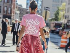 Giovanna Battaglia being Pink AF at The Best of street fashion in - Amazing Dresses & Outfits Fashion Mode, Fashion Outfits, Womens Fashion, Fashion Trends, Street Fashion, Fashion Weeks, Fashion 2018, London Fashion, Fashion Tag