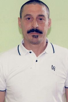 "Giuseppe""Peppe 'o ciuccio"" Dell'Aquila ( March 20, 1962) reggente del clan Contini-Mallardo 2001-2011 wanted since 2002, arrested on 25 May 2011,"