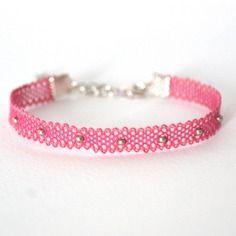 """Bracelet en dentelle aux fuseaux  """"mini"""" coloris rose/argent"""