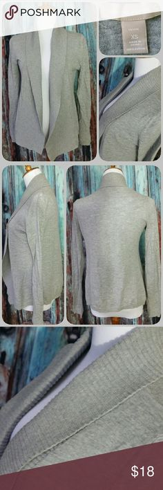 BANANA REPUBLIC gray sweater Open front sweater with wide shawl collar. Loose fitting Banana Republic Sweaters