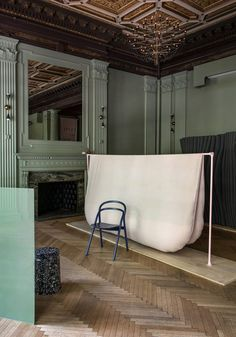 Philippe Malouin showcases experimental room dividers for NYCxDesign Wework New York, Memphis, Furniture Decor, Furniture Design, New York 2017, Smart Textiles, Space Dividers, Coworking Space, Minimalism