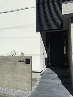 建物入口につけるおしゃれなステンレス表札焼付塗装