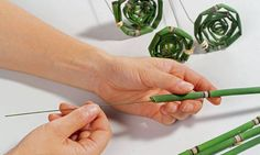 Floristry technology Tip: Forming materials With wire