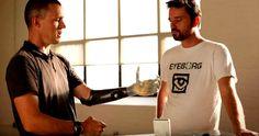 Режиссер Роб Спенс из Канады, заменивший глаз на видеокамеру, снялся в короткометражке об имплантатах, которую сняли разработчики киберпанк-экшна Deus Ex.     #технологии  #имплантанты  #робспенс  #интересное