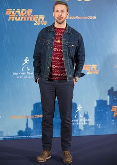 Check out our latest 5 Days, 5 Ways installment, featuring stylish denim jacket outfits for guys, from the team at Style Girlfriend. Denim Jacket With Dress, Jean Jacket Outfits, Denim Jacket Men, Ryan Gosling Style, Ryan Gosling Fashion, One Dapper Street, Mens Fashion Suits, Celebrity Outfits, Jeans Style