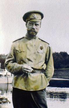 Te presentamos a la familia Romanov en estas curiosas y familiares imágenes, muchas de las cuales fueron tomadas por el propio cabeza de familia: el última zar de Rusia, Nicolás I...