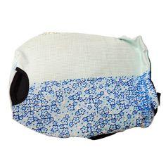 Bolsa Transporte Frontal Azul Florido - São Pet - Bolsa para Transporte de uso frontal em Tecido, seguro e confortável, ideal para deixar seu Pet pertinho de você na hora de passear! MeuAmigoPet.com.br #petshop #cachorro #cão #meuamigopet