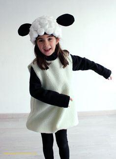 ¡El Carnaval ya está aquí! Pero aún estás a tiempo de preparar este disfraz de oveja a tus peques. ¡Toma nota!