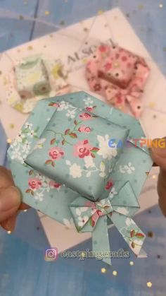creative crafts let's do together!😘😘😍😍Do let me know in the comment how it goes. :)💗💗You can also find some other content in my blog.If you like it, share it with your social media and friends Diy Crafts Hacks, Diy Crafts For Gifts, Diy Arts And Crafts, Creative Crafts, Paper Crafts Origami, Paper Crafts For Kids, Diy Paper, Instruções Origami, Origami Flowers