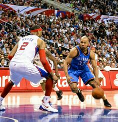 LOS ANGELES- 9/18/2012 NBA Free Agent, Derek Fisher was working out at Lakers facility today. Ok... thats it.