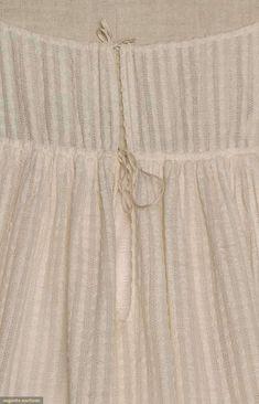 Regency Gown Back Fastenings. Drawstring ties at neckline and under the bust… Jane Austen, Regency Dress, Regency Era, Civil War Dress, Historical Clothing, Historical Dress, Clothing And Textile, Empire Style, Fashion Plates