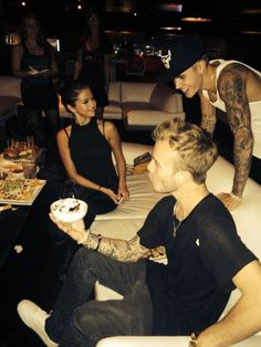 Justin Bieber & Selena Gomez Flirting and Kissing – PDA-Filled Bowling Date
