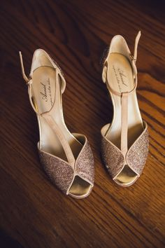 #mariage #wedding #nature #couple #love #champetre #mariage2020 Georgie, Stuart Weitzman, Couple, Sandals, Heels, Nature, Wedding, Fashion, Weddings