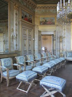 Chateau de Compiègne interior , France Classical Interior Design, Modern Architecture Design, French Architecture, Palace Interior, Luxury Interior, Palaces, Victorian Castle, Royal Residence, Old Mansions