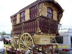 I have always wanted to live in gypsy caravan too. Gypsy Trailer, Gypsy Caravan, Gypsy Wagon, Gypsy Horse, Gypsy Life, Gypsy Soul, My Dream Car, Dream Cars, Fifth Wheel Trailers