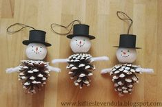 Croissant and Lavender: Snowmen in pine cone Christmas Crafts For Toddlers, Toddler Christmas, Xmas Crafts, Diy Christmas Ornaments, Christmas Angels, Crafts For Kids, Christmas Gifts, Christmas Decorations, Diy Crafts