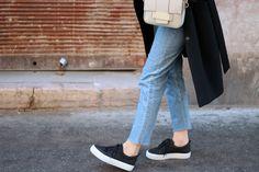 THE BLUE JEANS  & Other Stories black wool coat; Nanushka grey jumper; H&M jeans; H&M trend bag; Pull&Bear trainers. H&m Jeans, Blue Jeans, Skinny Jeans, H&m Trends, Black Wool Coat, My Wardrobe, Trainers, Jumper, Bear