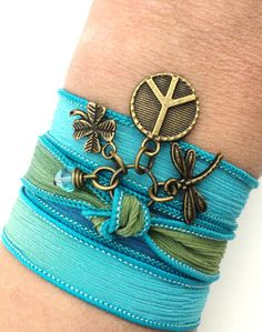Bohème Peace Sign Wrap soie Bracelet par BohemianEarthDesigns
