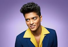 Bruno Mars in Still dating his Girlfriend Jessica Caban? Does Bruno Mars have tattoos? Bruno Mars Songs, Super Bowl, Mars Photos, Bae, 30 Under 30, Jesse Mccartney, Taylor Hanson, Pop Rock, Famous Singers