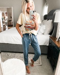 Posts from loverlygrey Casual School Outfits, Lazy Day Outfits, Casual Fall Outfits, Trendy Outfits, Summer Outfits, Cute Outfits, Jogger Pants Outfit, Sweatpants Outfit, Sweatshirt Outfit