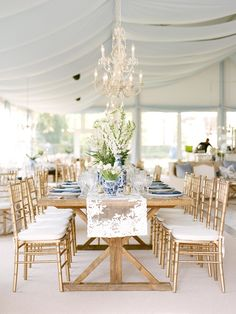 Floral Wedding Centerpieces Planning and Tips - Love It All Wedding Planner Checklist, Wedding Planning Timeline, Wedding Planners, Planner Ideas, Event Planning, Table Centerpieces, Wedding Centerpieces, Centerpiece Flowers, Centrepieces