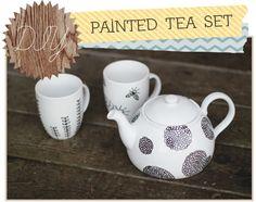 Delightfully Tacky: Painted tea set using paint pen