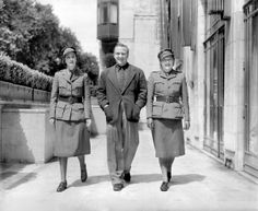 July 17, 1940: Richard Tauber, the tenor, with his wife, Diana Napier (right) the actress, now in the Women's Transport Service of the First Aid Nursing Yeomanry (FANY) in London. (Photo by Planet News Archive/SSPL/Getty Images)